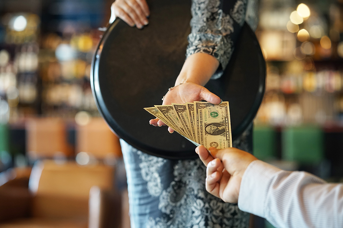 10 Awesome Ways You Can Make More Tips as a Server